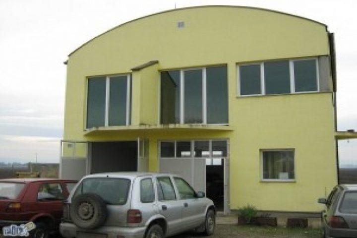 Poslovno-stambeni objekat u Aleksandrovcu